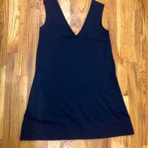 Diane vonFurstenberg siz 2 navy Double deep v/neck and back dress